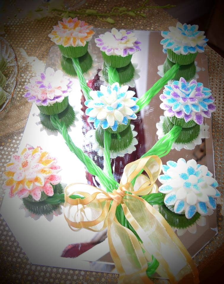 Marshmallow Flower Bouquet Cupcakes
