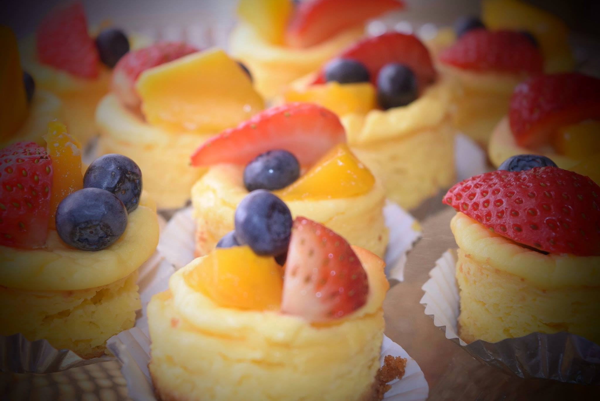 Mini Cheesecakes with Fresh Fruits